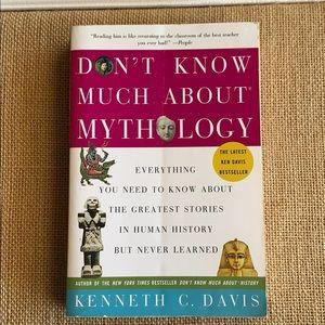 Mythology book 🎁 3/$15 💚💚
